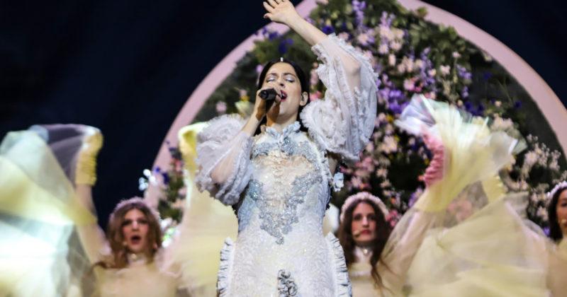 יוון בחזרה ראשונה: קתרין דוסקה על הבמה