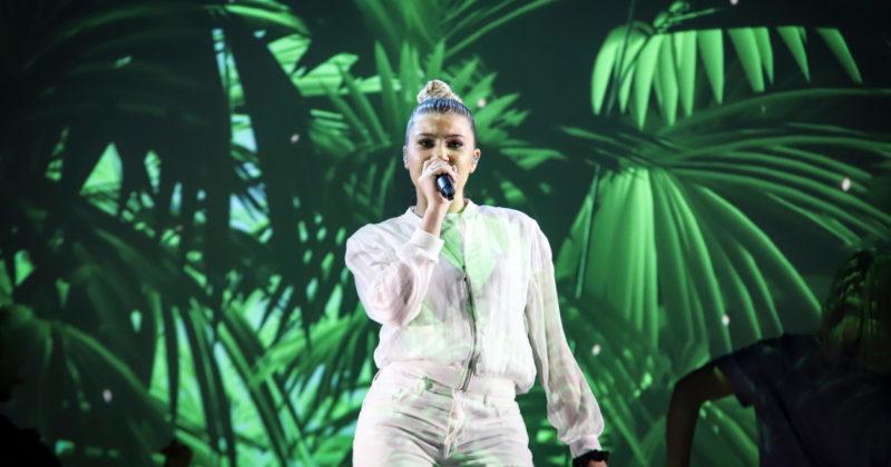 מלטה בחזרה שנייה: מיקלה על הבמה