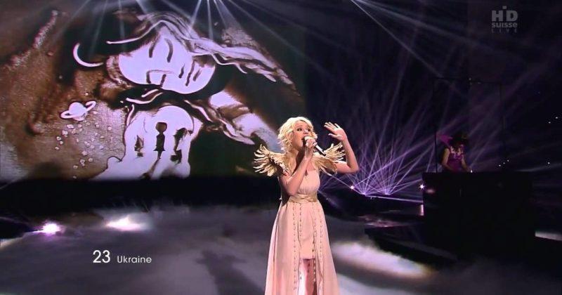 מיקה ניוטון (אוקראינה 2011) מגיבה להופעה המולדובנית
