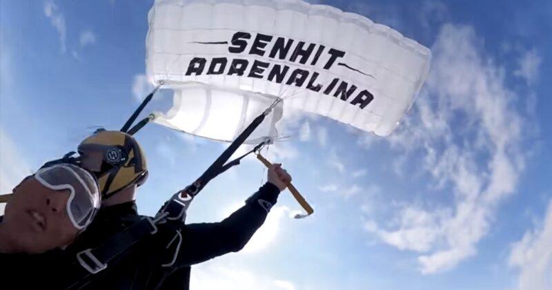 פלו ריידה האמריקאי ייצג את סן מרינו יחד עם סנהיט?