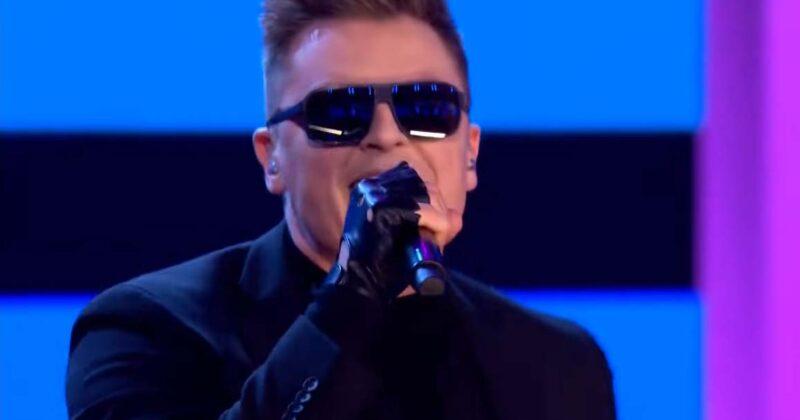 """פולין: צפו ברפאל מעניק ביצוע חי לשיר האירוויזיון """"The Ride"""""""