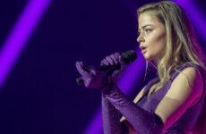 יוון בחזרה ראשונה: סטפניה על הבמה
