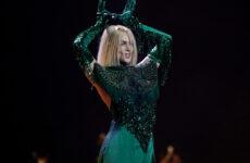 לטביה בחזרה שנייה: סמנתה טינה על הבמה